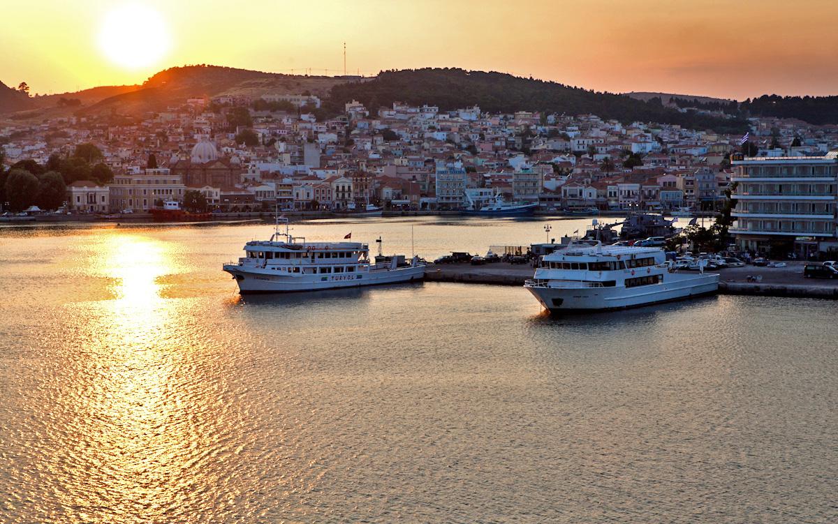 Milelja Lesvos port